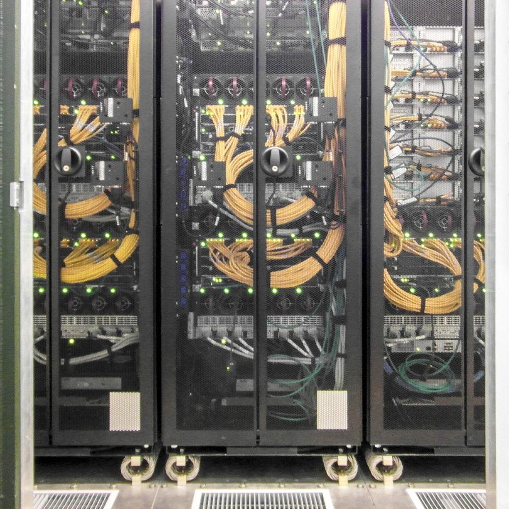 KINFO - Kontener Informatyczny - Szafy serwerowe