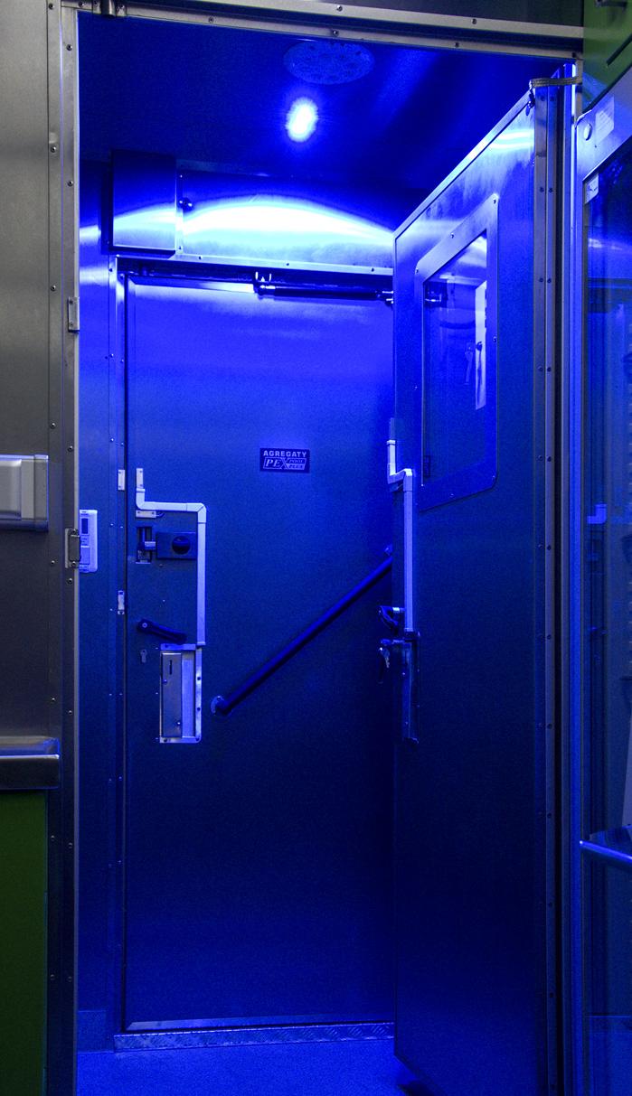 KLM 20 - Kontenerowe Laboratorium Mikrobiologiczne - Oświetlenie OPL