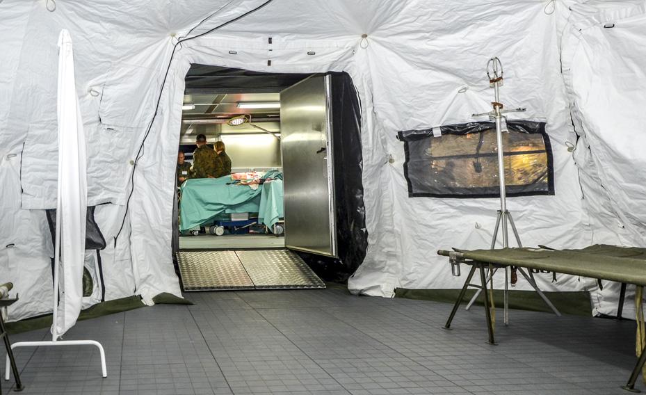 SOP I - Sala Opatrunkowa Poziomu I - Przejście z namiotu do kontenera