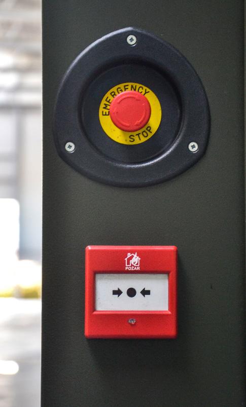 Zespół prądotwórczy ZPW 250 DTZ - wyłącznik awaryjny i przycisk gaszenia pożaru