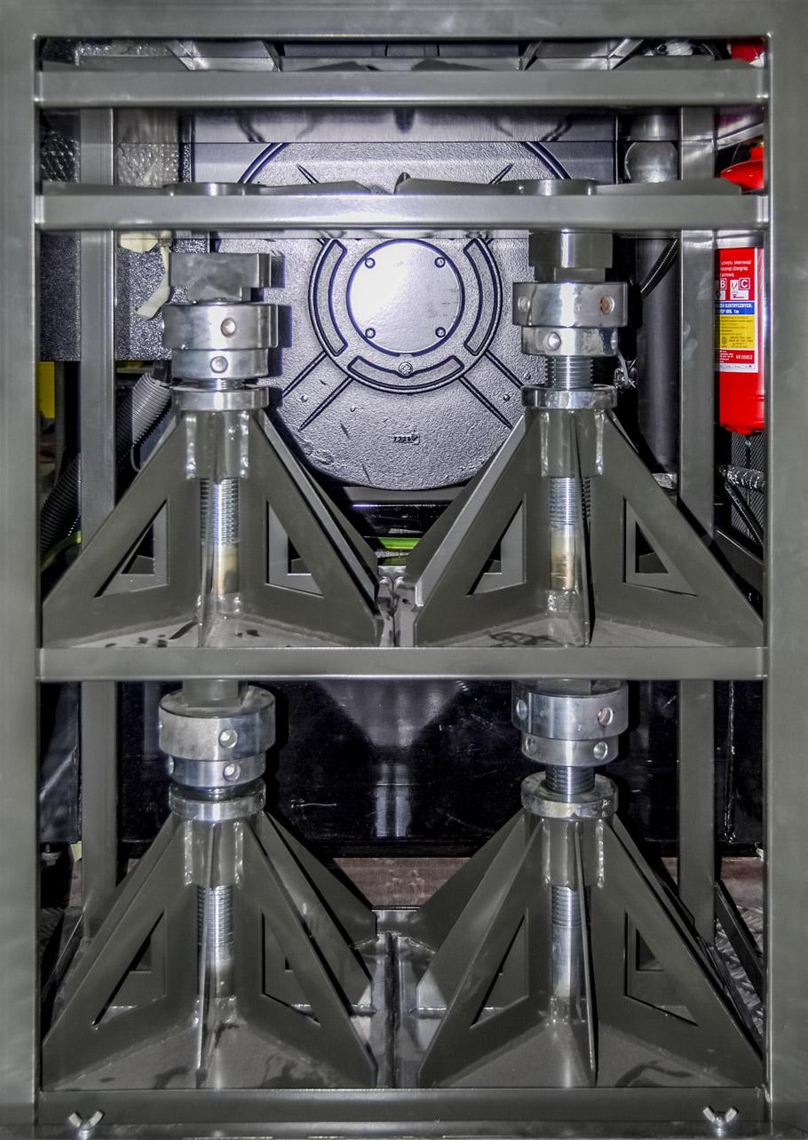 Kontenerowa Elektrownia Polowa KEP 125 - Stojak na podpory