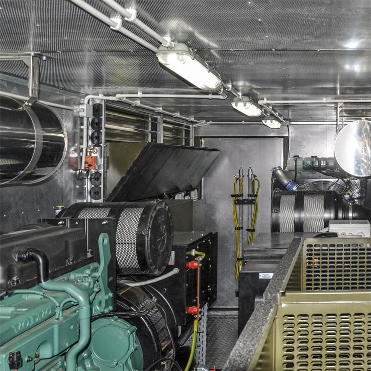 Kontenerowa Elektrownia Polowa KEP 2x250 - Przedział silnikowy